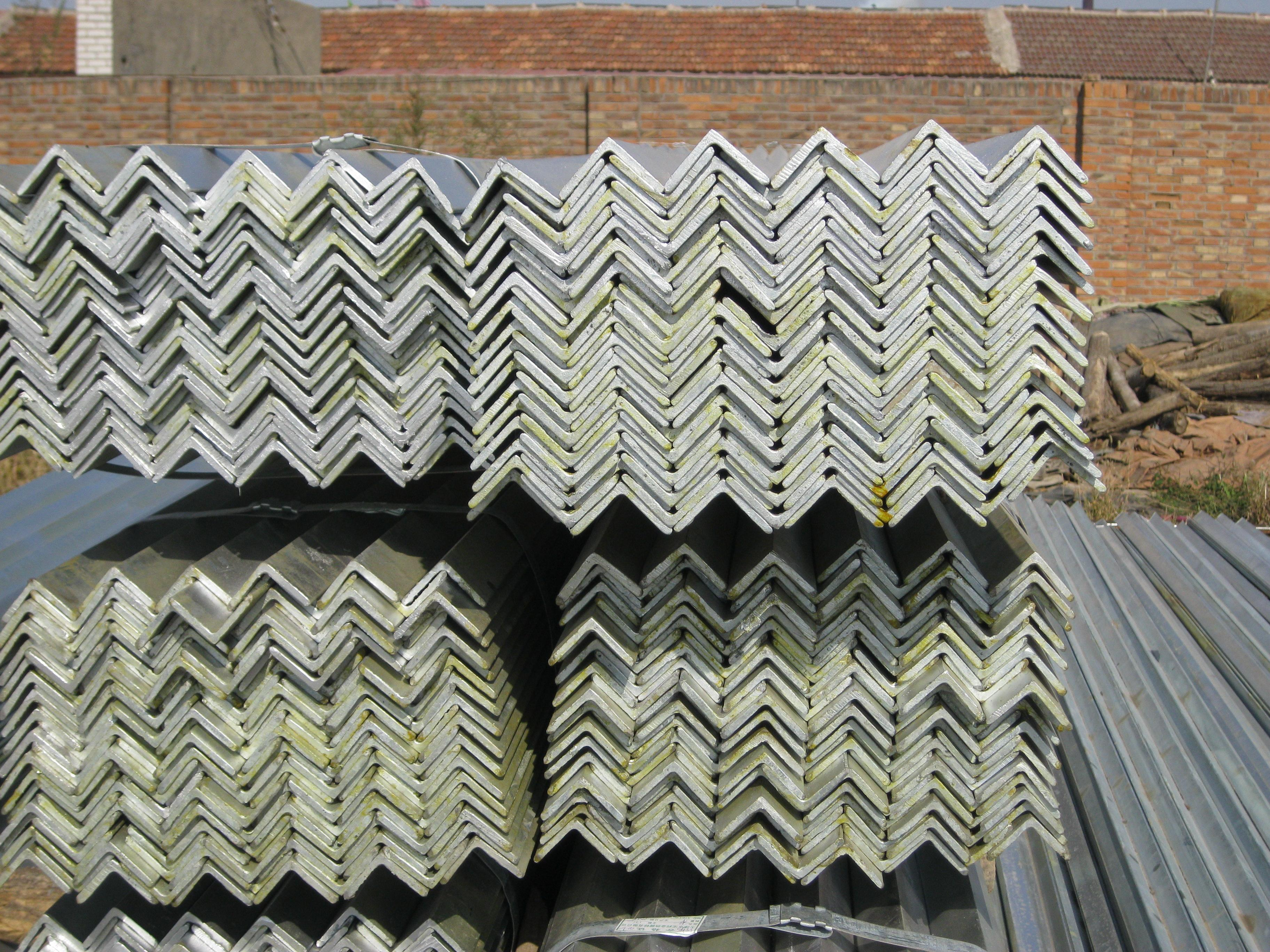 Hot-dipped galvanized steel angles